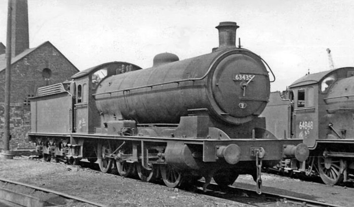 Q6 63435 between duties at West Hartlepool mpd (51C) - transferred 1958 to newly opened Thornaby (51L) and when Thornaby closed to steam in 1964 back to W. Hartlepool - 1967 scrapped; sister loco 63395 preserved by NELPG (see NELPG page)