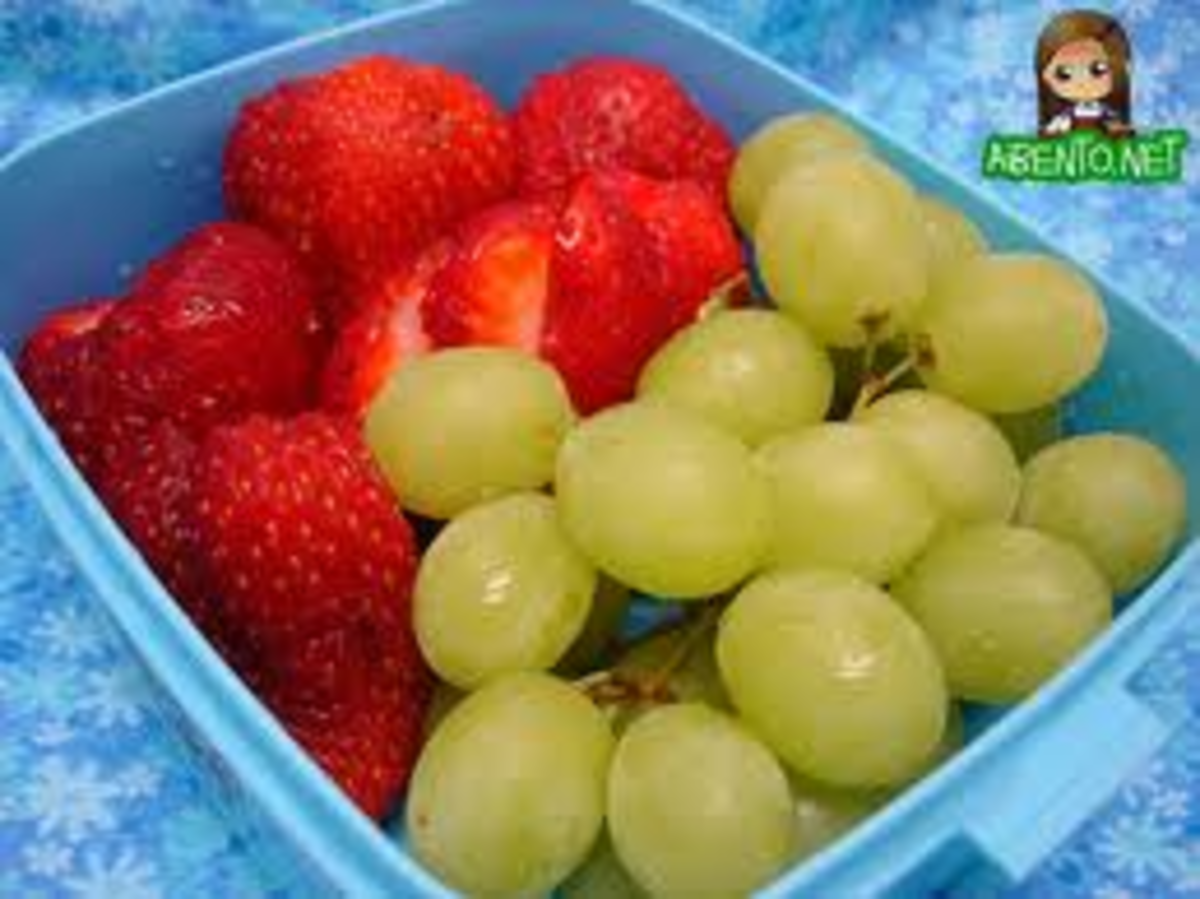 Grapes and Strawberries. Vegetarian/Vegan Picnic Menu.