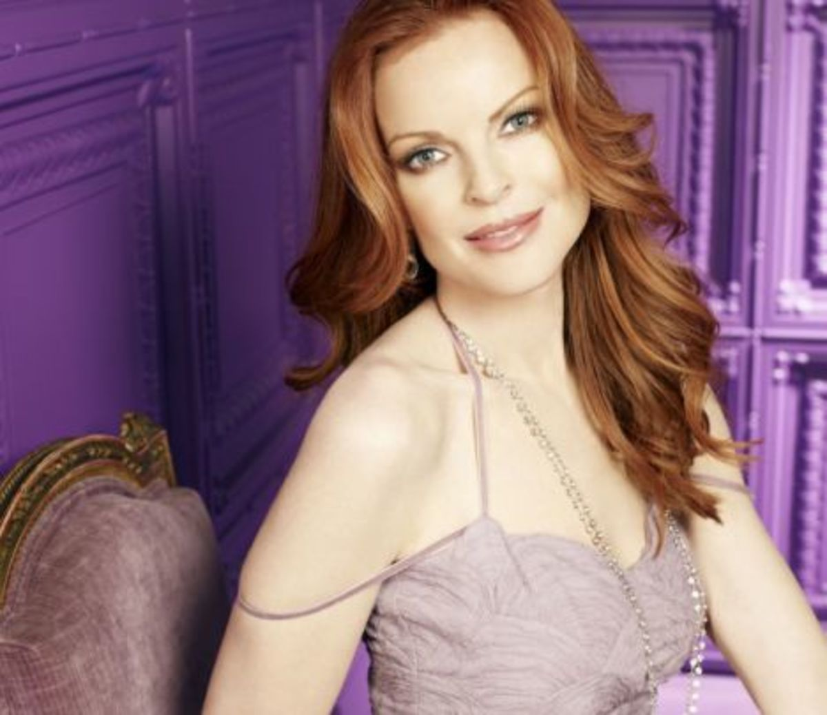 Marcia Cross, Cool skin tone and red hair, Lavender dress. Clothing Colors for Fair Skin with Blonde, Brown, Red, or Black Hair.