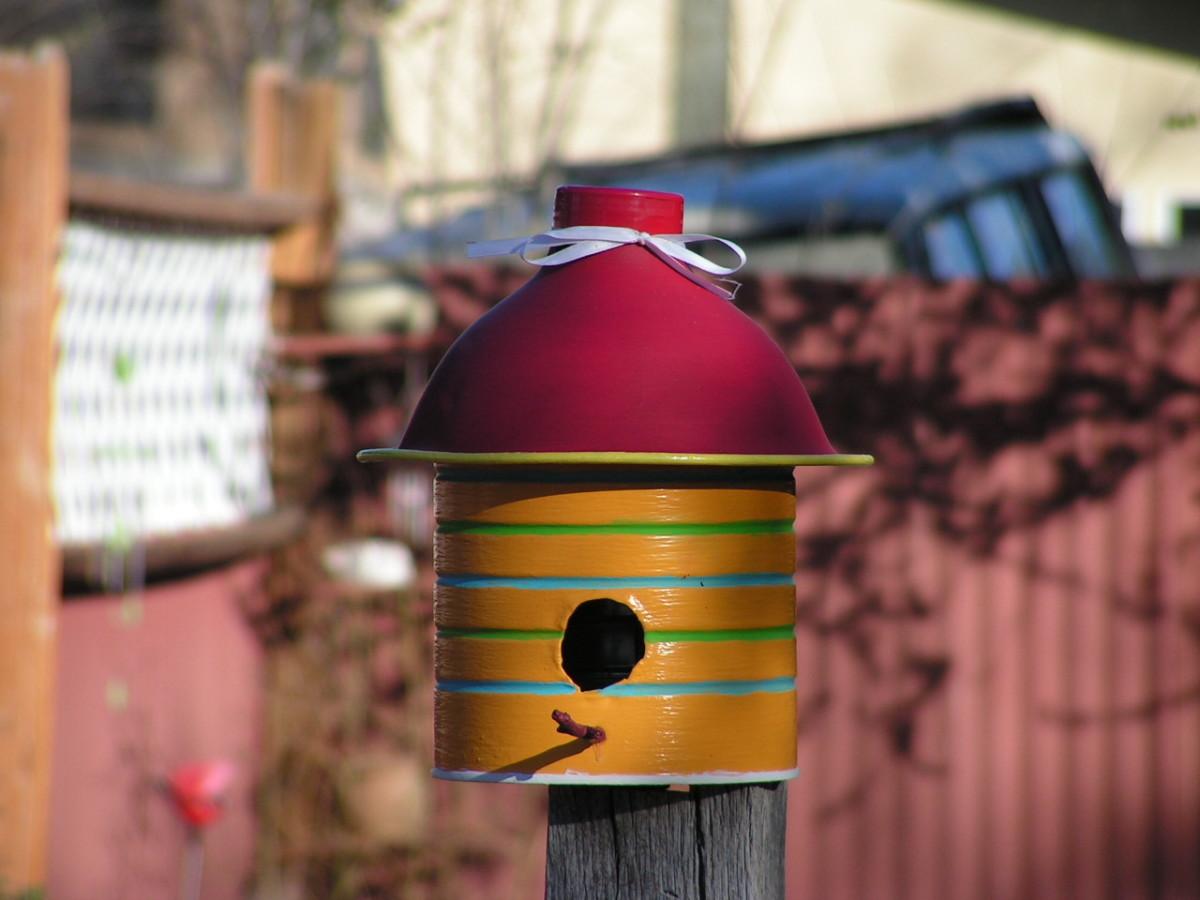 whimsical-coffee-can-birdhouse
