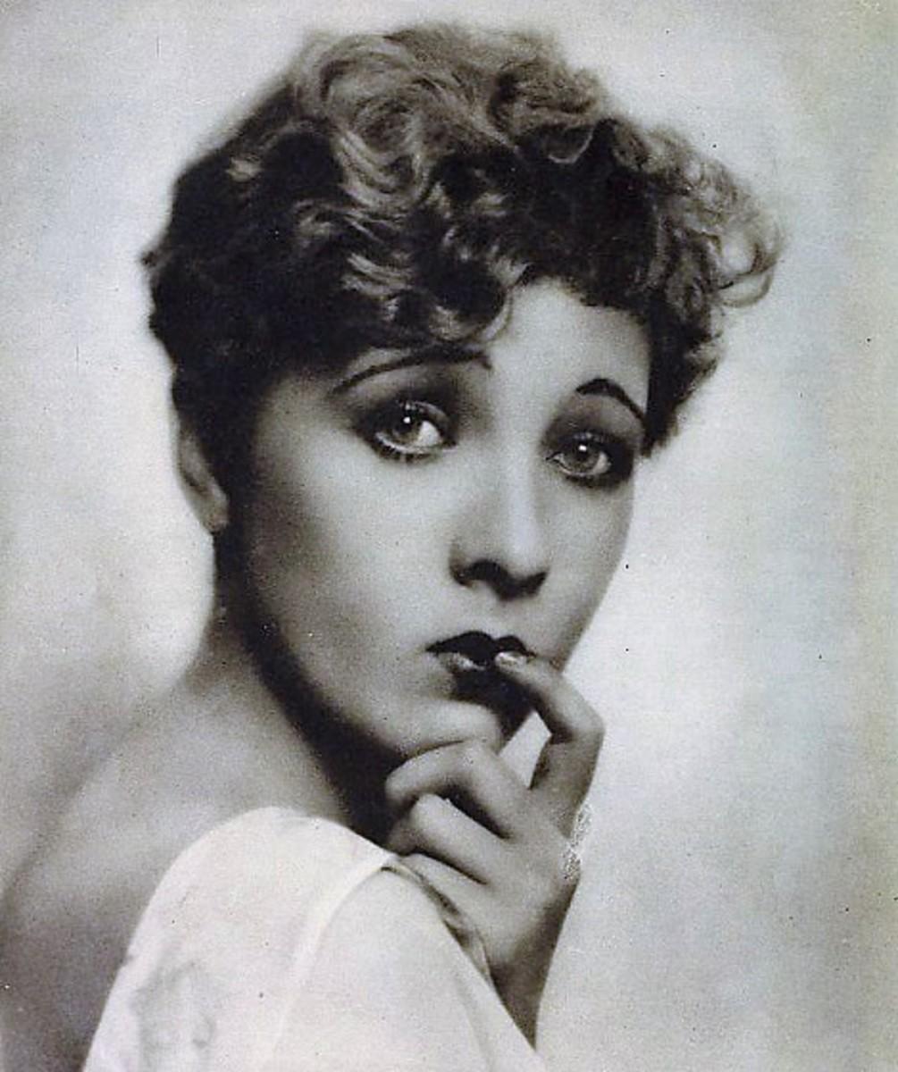 Helen Twelvetrees from Cine Mundial Magazine, 1929.