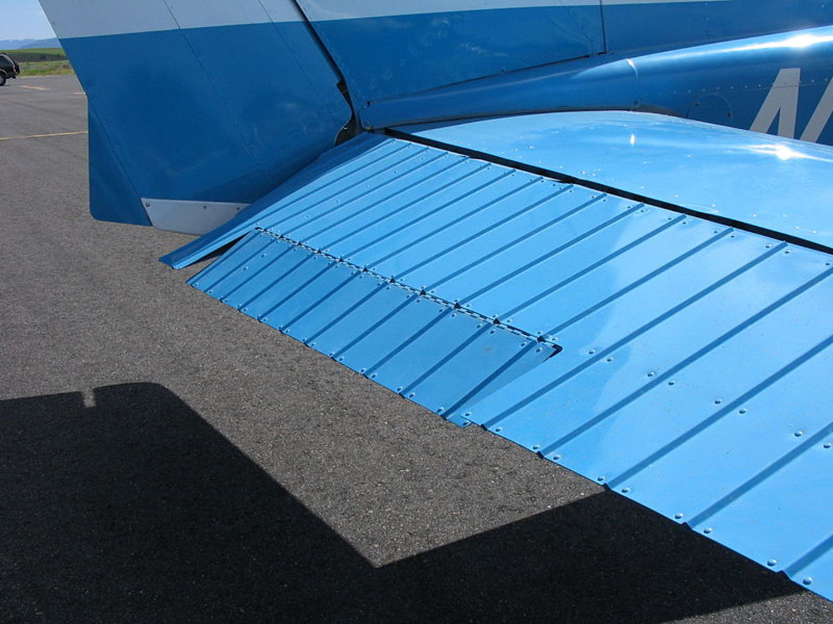 Trim tabs mounted on a Cessna elevators