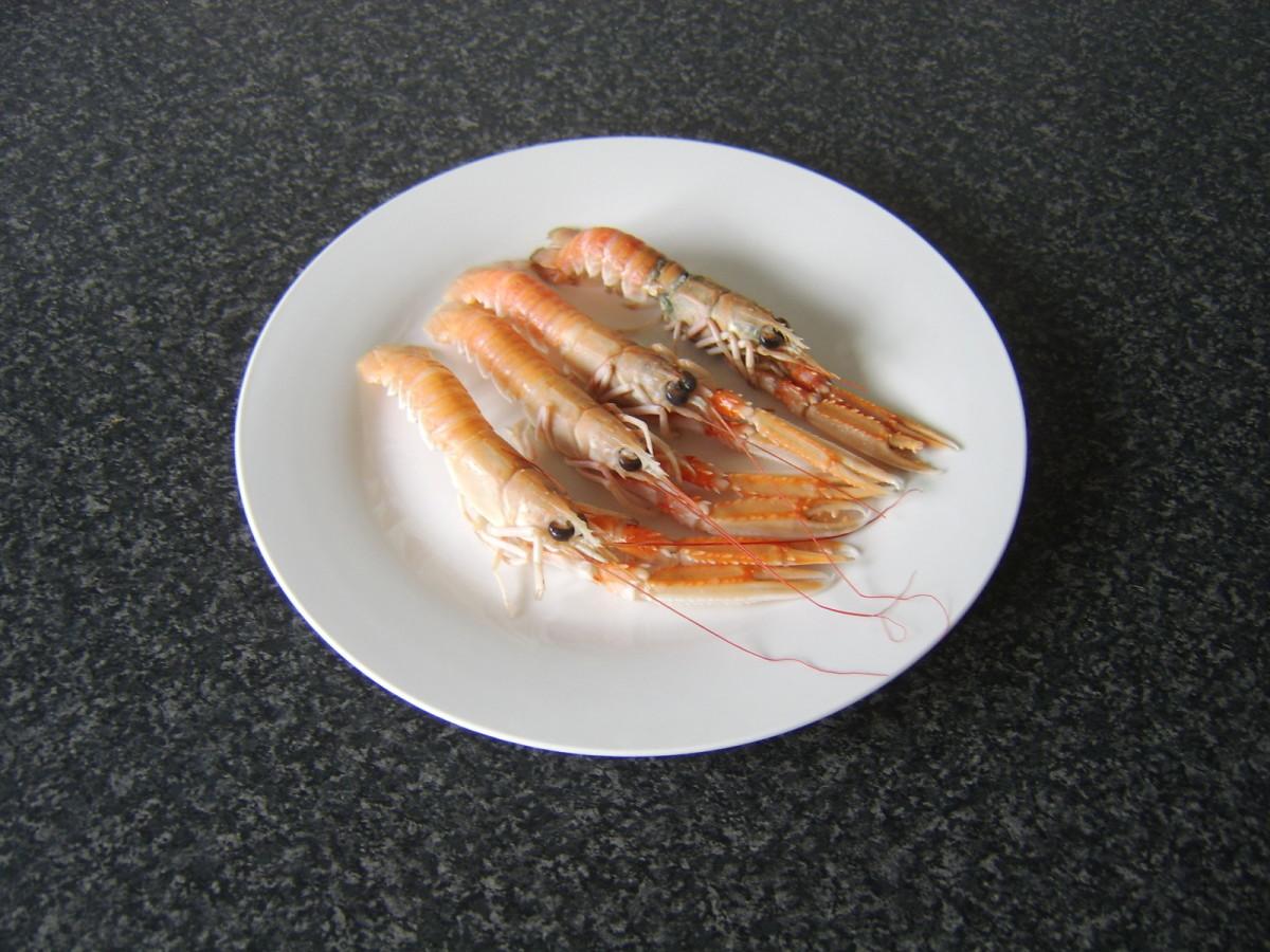 Fresh, uncooked langoustines
