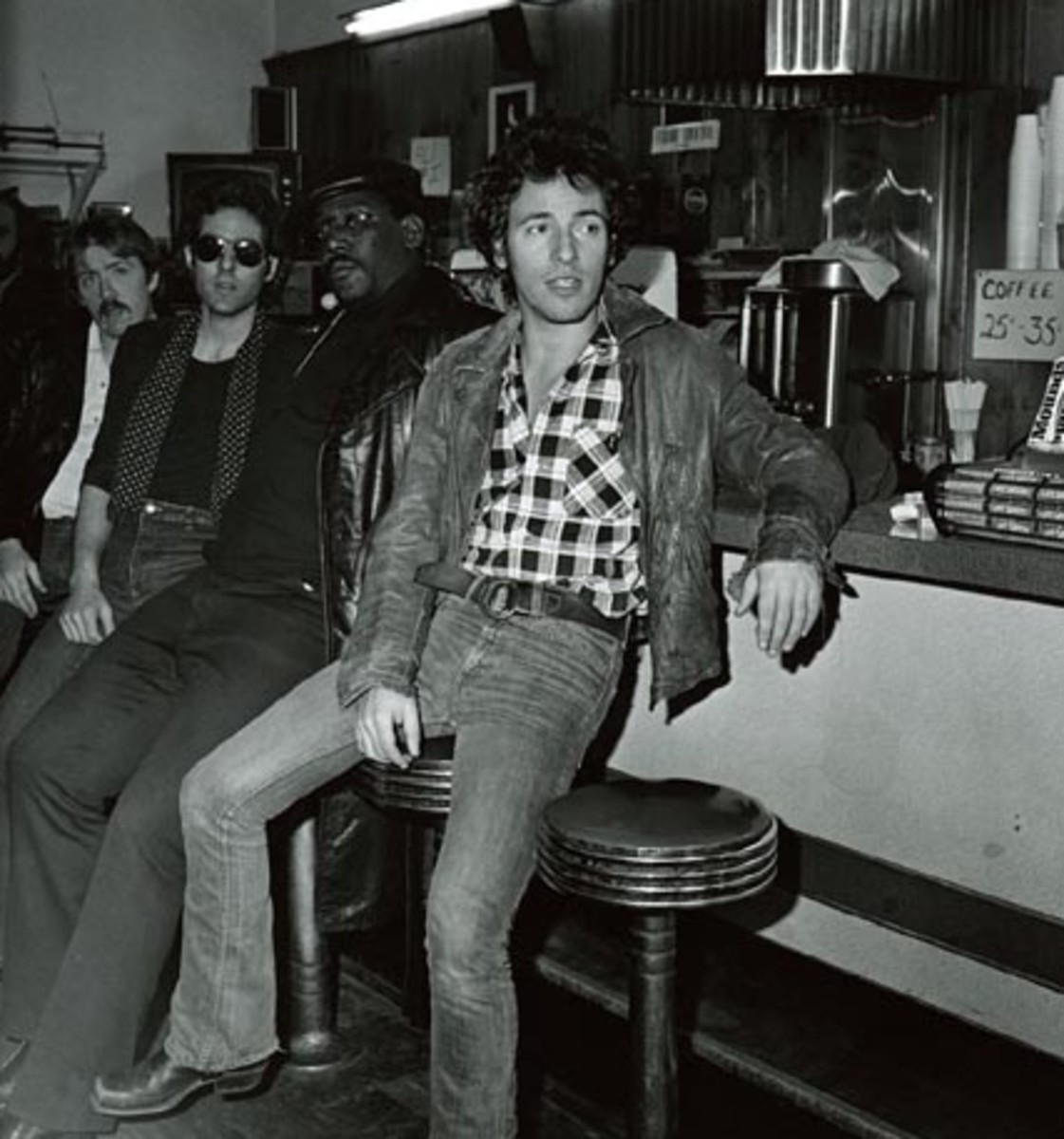 Bruce and the band hanging out in Jersey