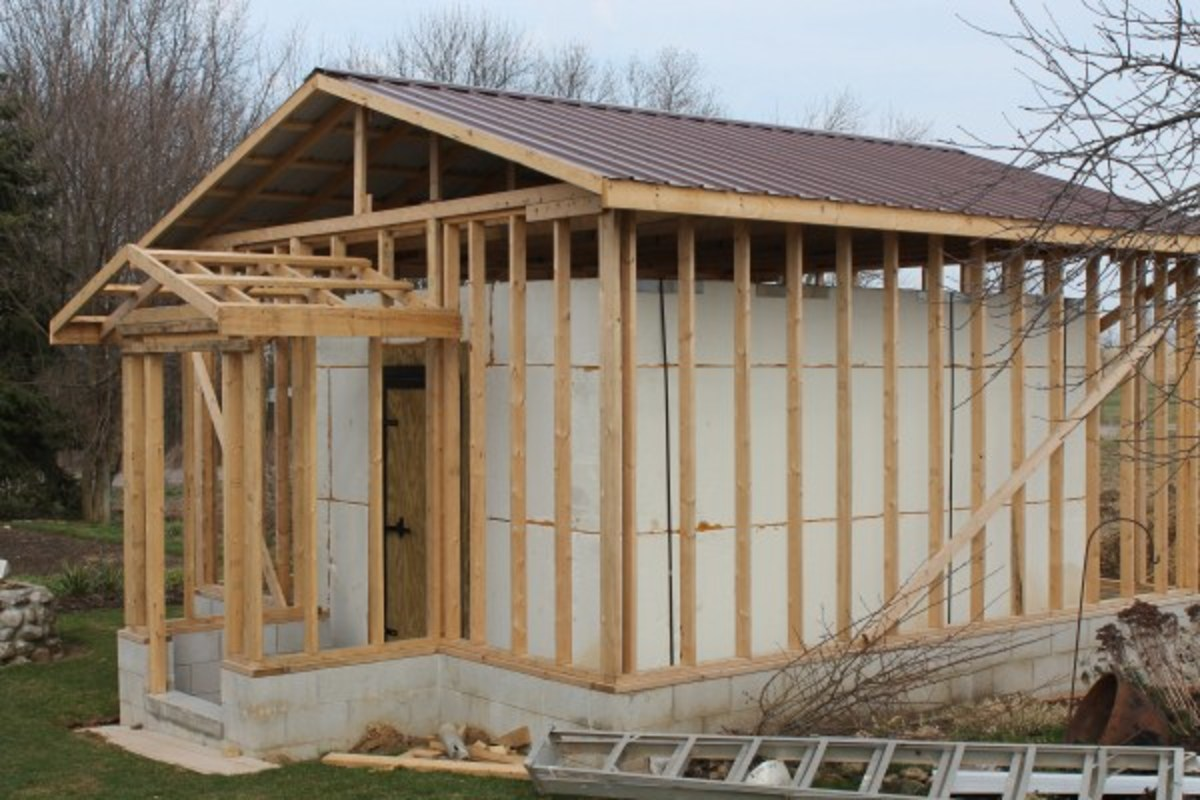 Our Amish Friends Build a New Ice Storage House