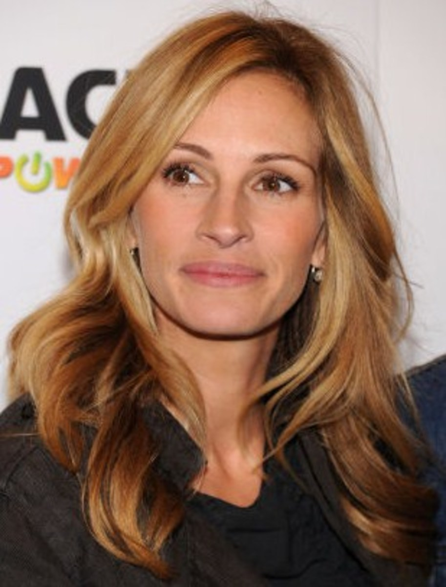 Julia Roberts with Mixed Caramel Blonde Hair