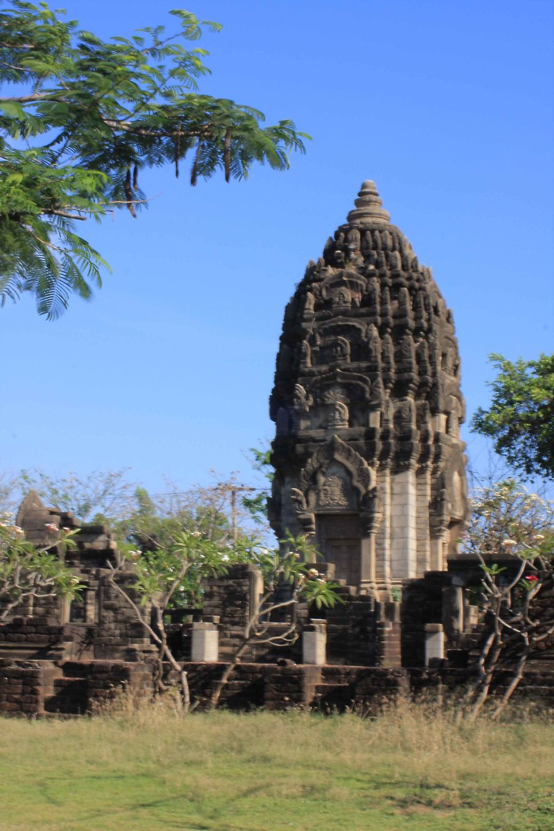 Prasat Sadok Kok Thom, situated in Sa Kaeo Province, is a Khmer Hindu sanctuary dating to the 10th century A.D. This Muang Boran representation is a life size replica