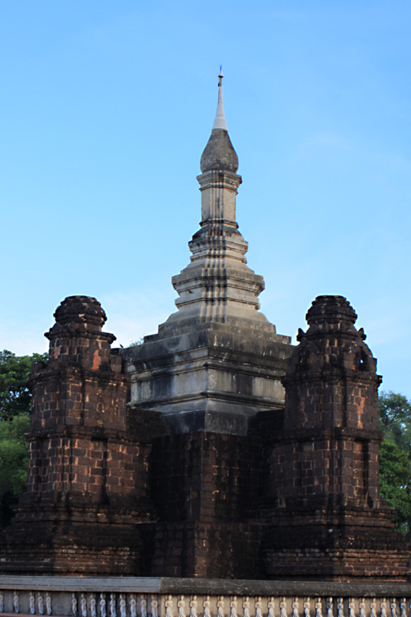 The Main Chedi of Wat Maha That is in Sukhothai Province. The Muang Boran model of this temple building is an accurate replica, albeit one quarter the size of the original.