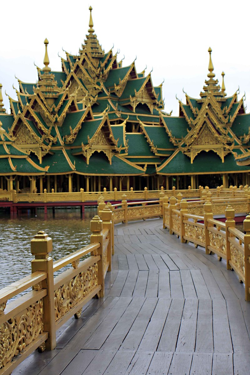 Walkway to the Pavilion of Enlightened. The Pavilion is intended to symbolise how anybody can attain Nirvana whatever their station in life