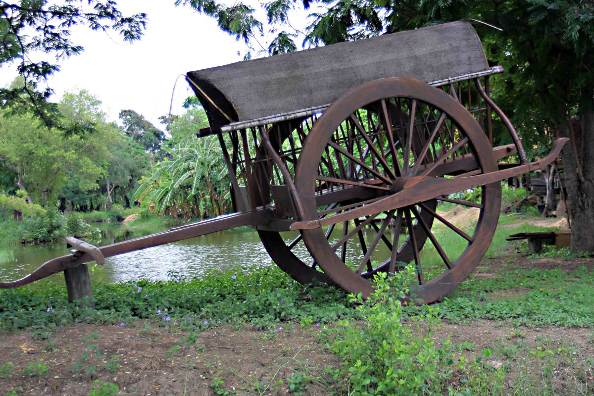 Wooden farm cart - one of the many exhibits in the park