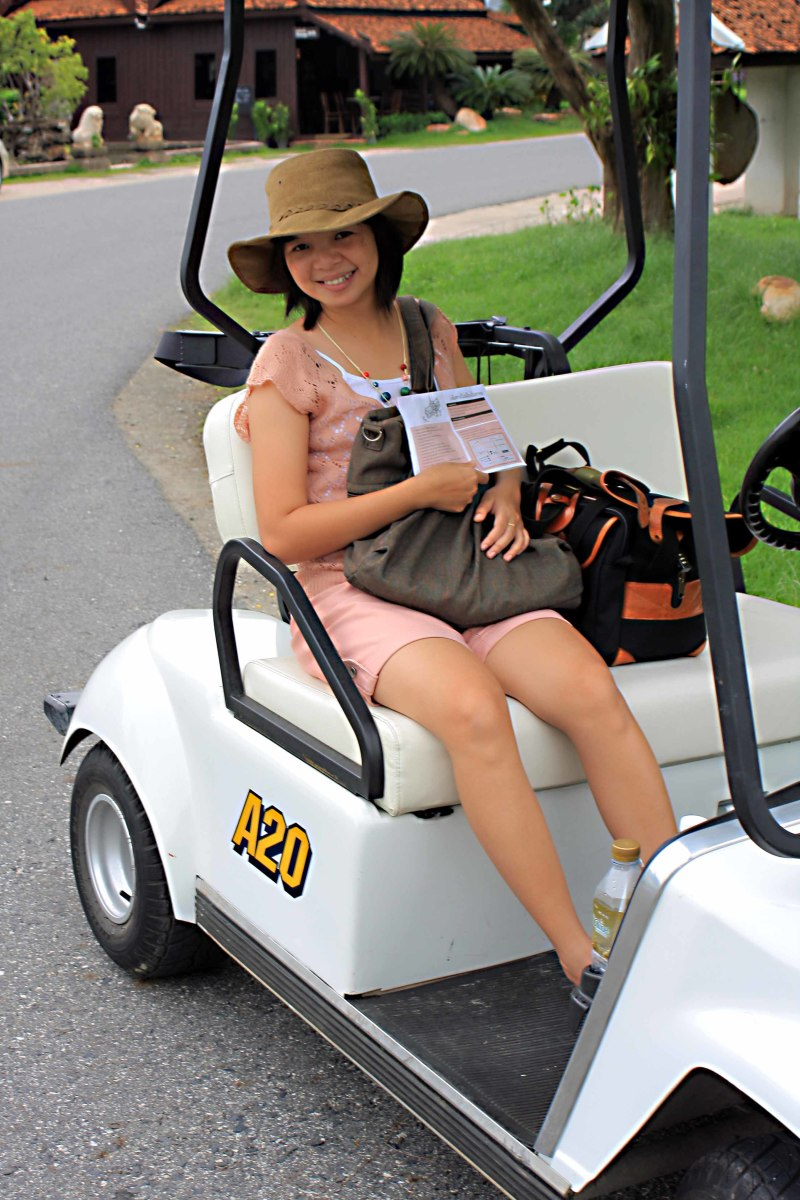 I have fond memories of my visits to Muang Boran. This is one of the golf buggies