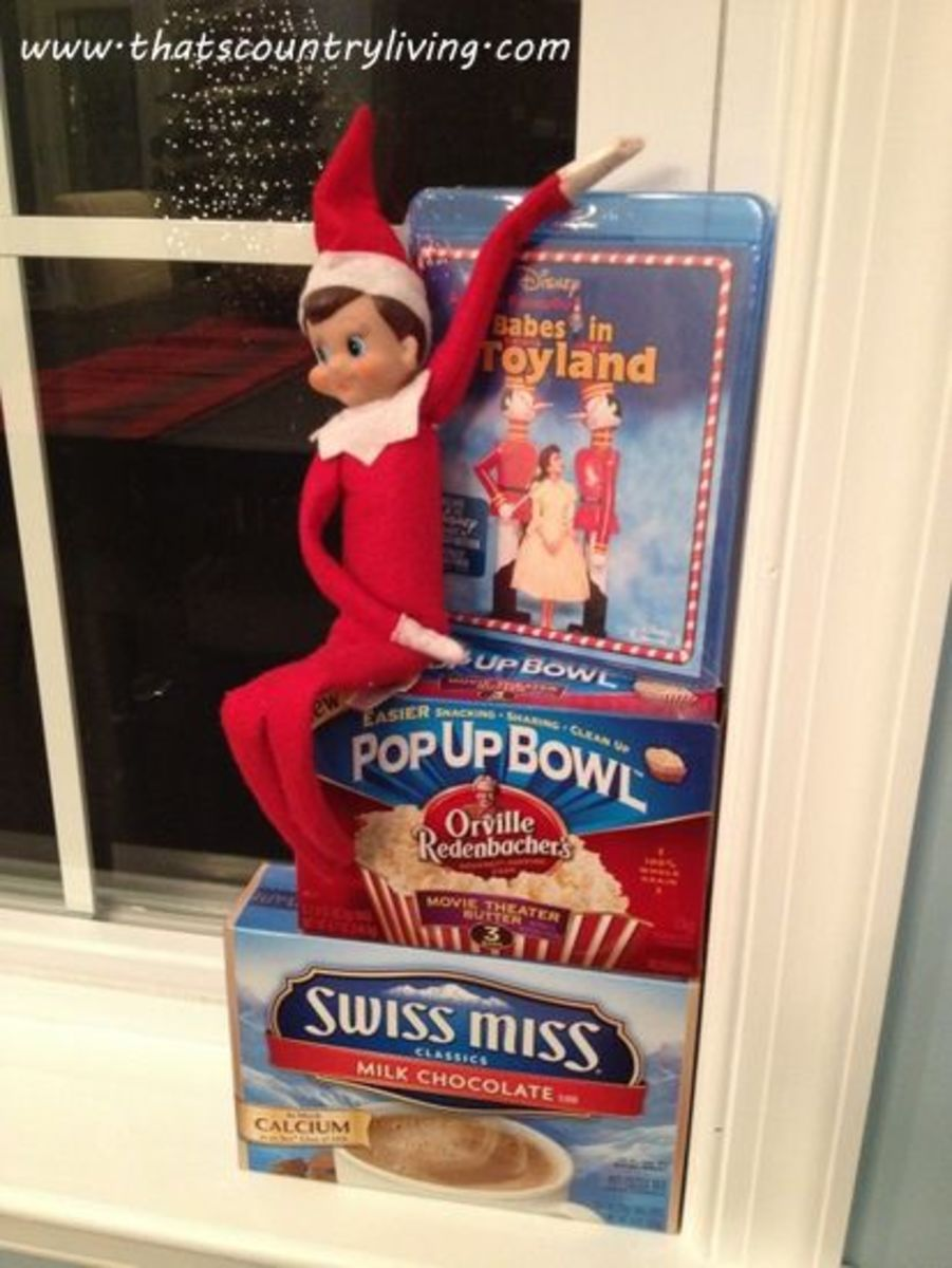 Fun ideas for your Elf at http://thatscountryliving.com/2011/10/master-list-ideas-for-the-elf-on-the-shelf/