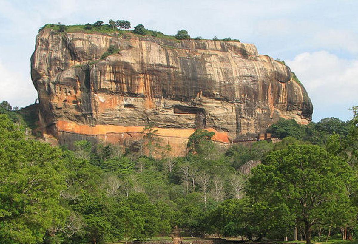 SeeL: http://en.wikipedia.org/wiki/File:Sigiriya.jpg