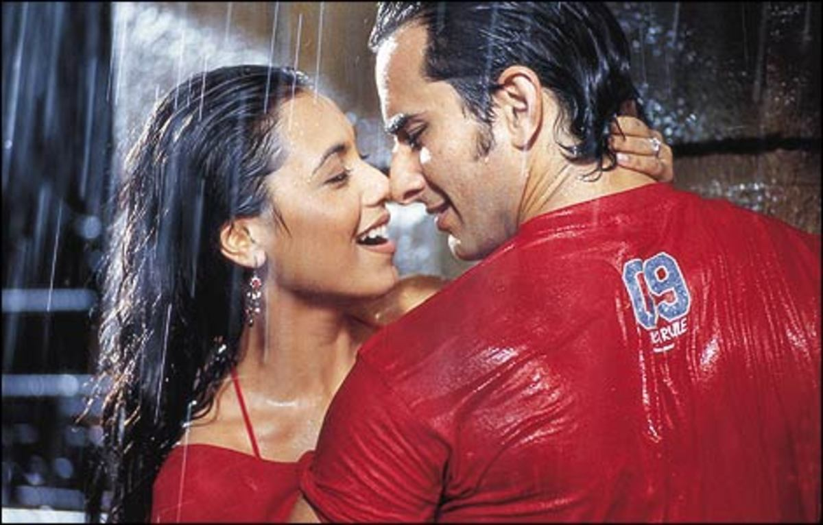 Rani Mukerji and Saif Ali Khan in Hum Tum.