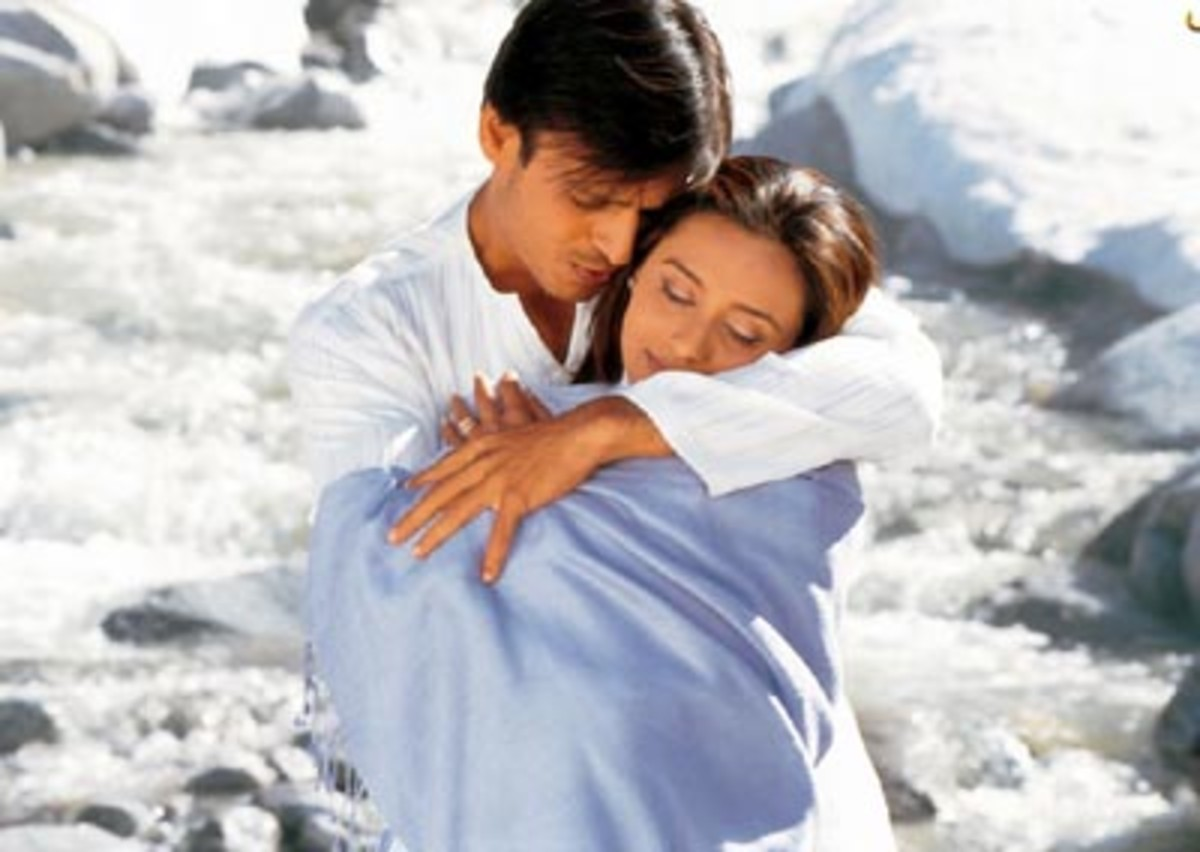 Vivek Oberoi and Rani Mukherji in Saathiya.