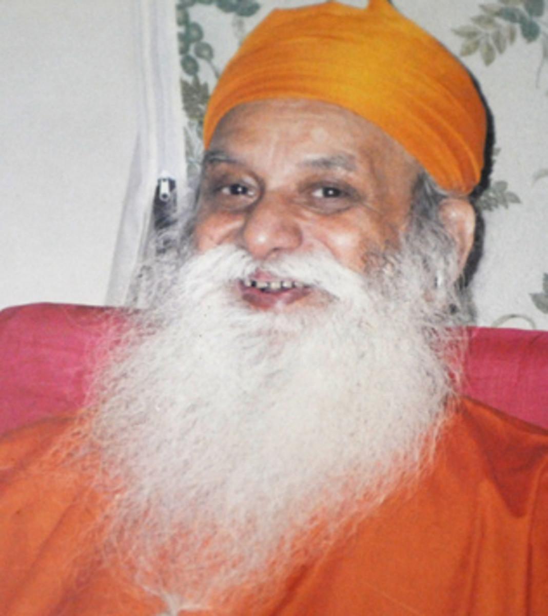 A smiling Shiv Yogi Maharaj