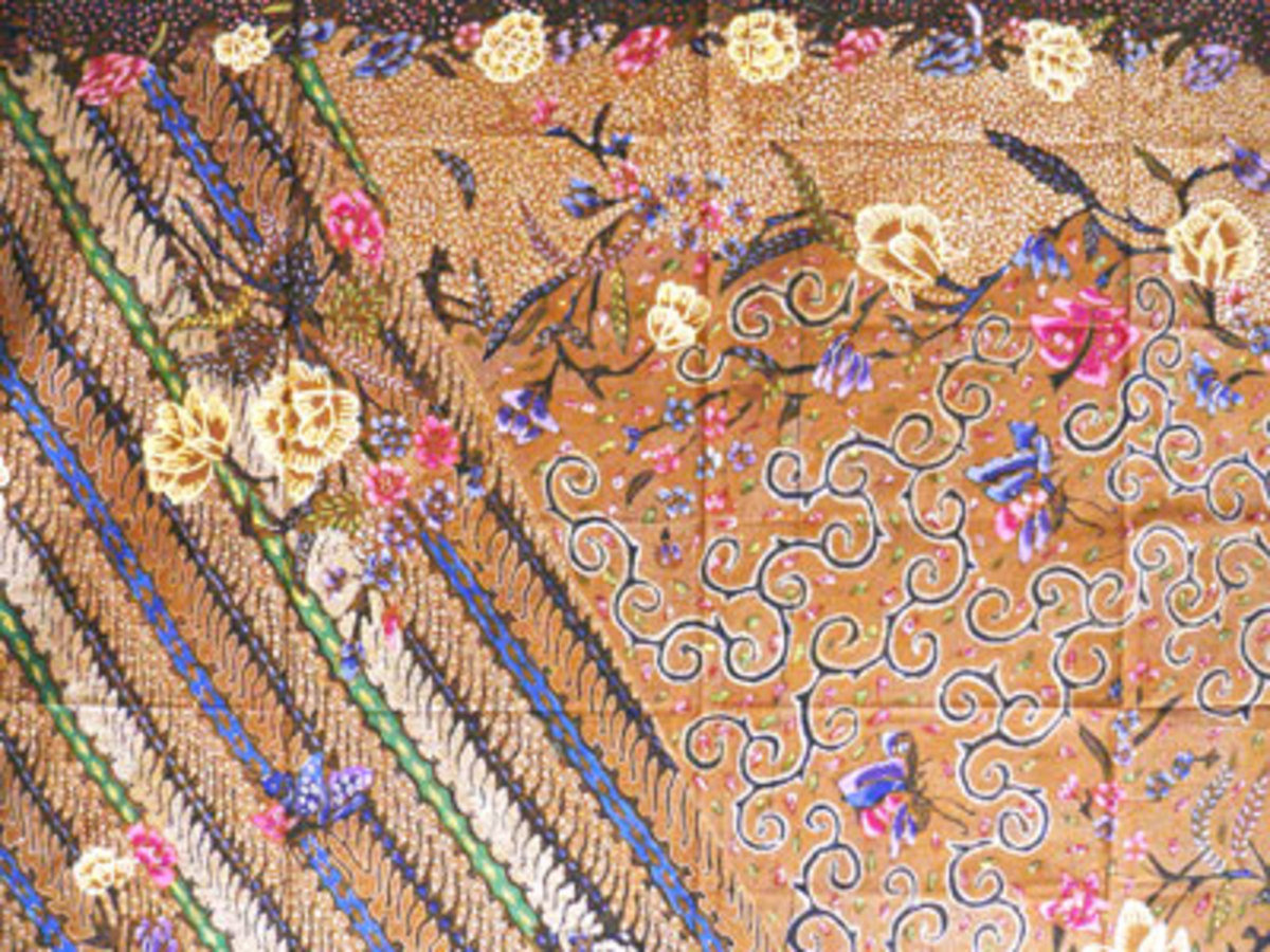 A World War II-era Batik Java Hokokai piece in which cherry blossoms can clearly be seen.