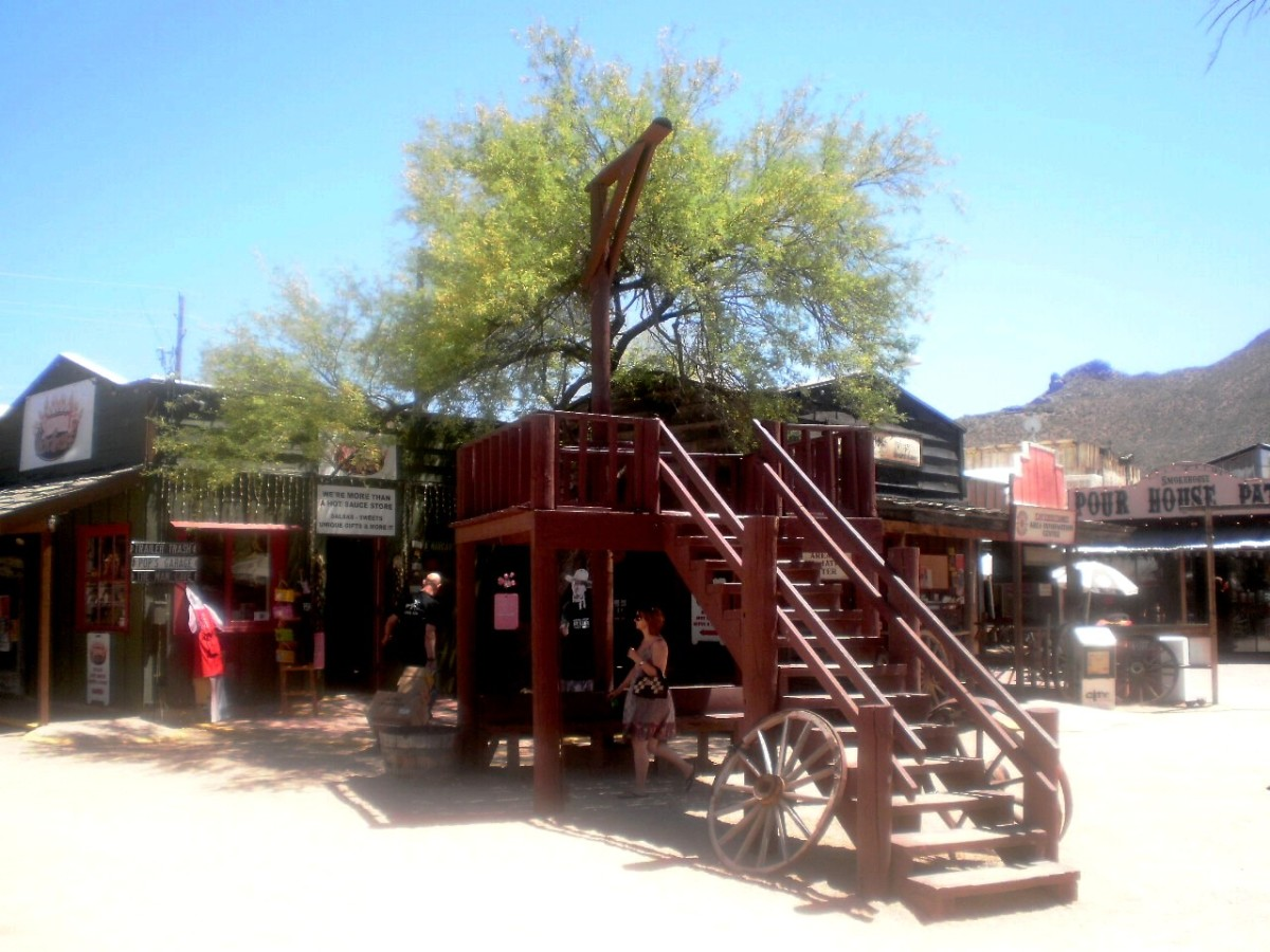 The Hanging Tree in Cave Creek, AZ