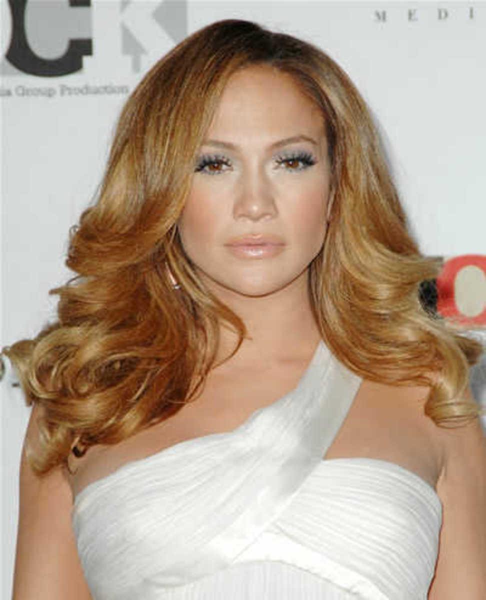 Light Golden Blonde Hair on JLo