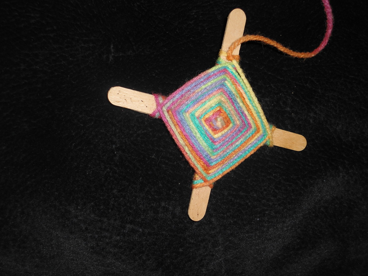 How to Make God's Eyes~~~ Using Yarn and Popsicle Sticks