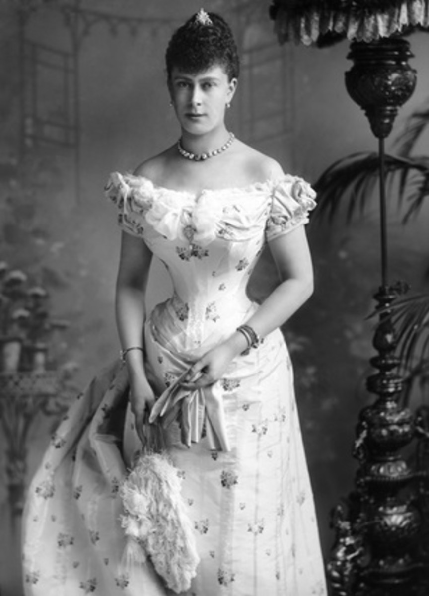 Queen Mary of Teck, Prince Albert's mother