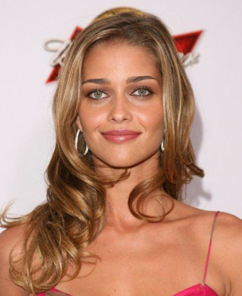 Ana Beatriz Barros, Blonde Latina from Brazil