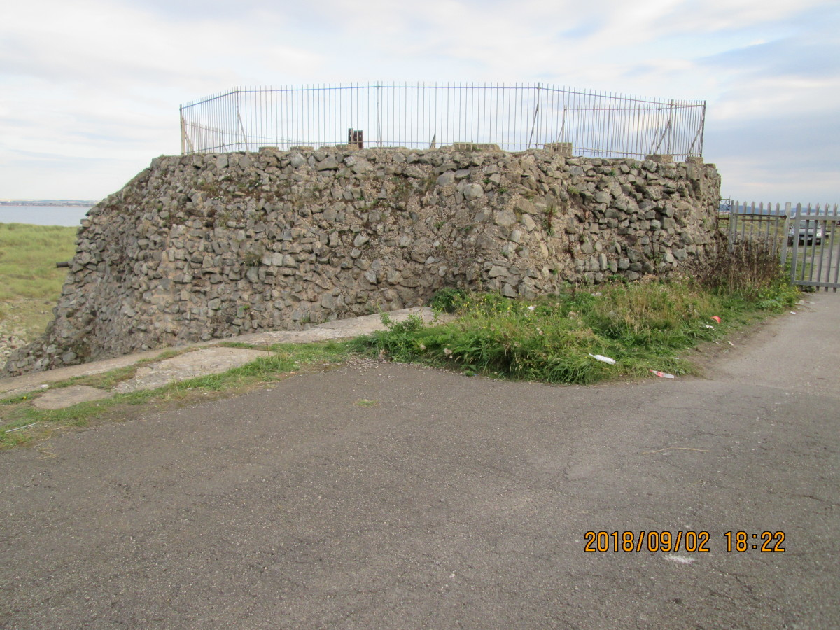Overlooking the pillbox, an anti-aircraft gun occupied this position in WWII - a corresponding position occupies the opposite side of the gare. By the nature of its siting, it was believed the gare might be a possible landing place for German troops.