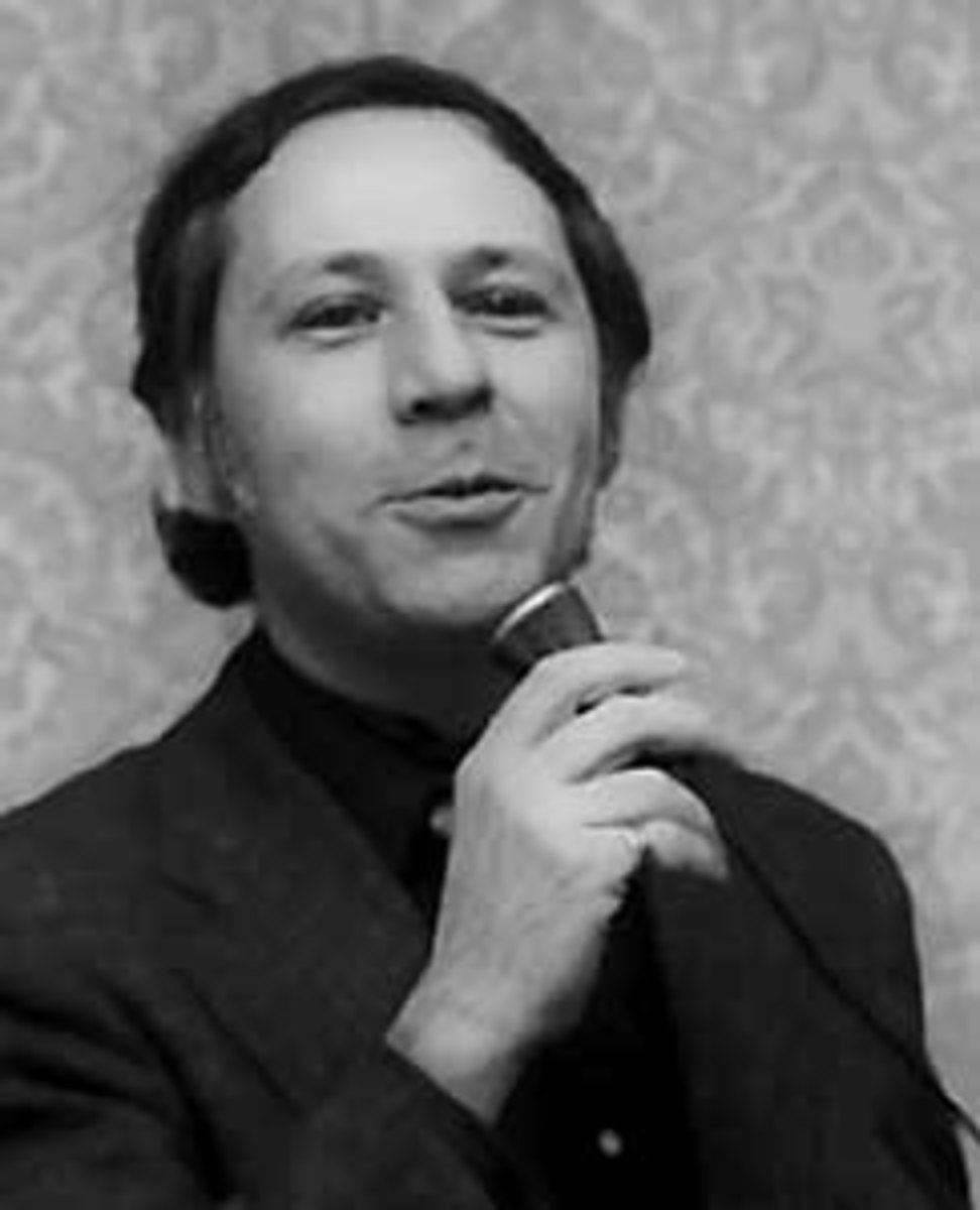 Hugo award winning science fiction author Ben Bova currently lives in Naples.  As well as producing over 120 works of fiction and fact, Bova has served as president of the National Space Society and the Science Fiction Writers of America.
