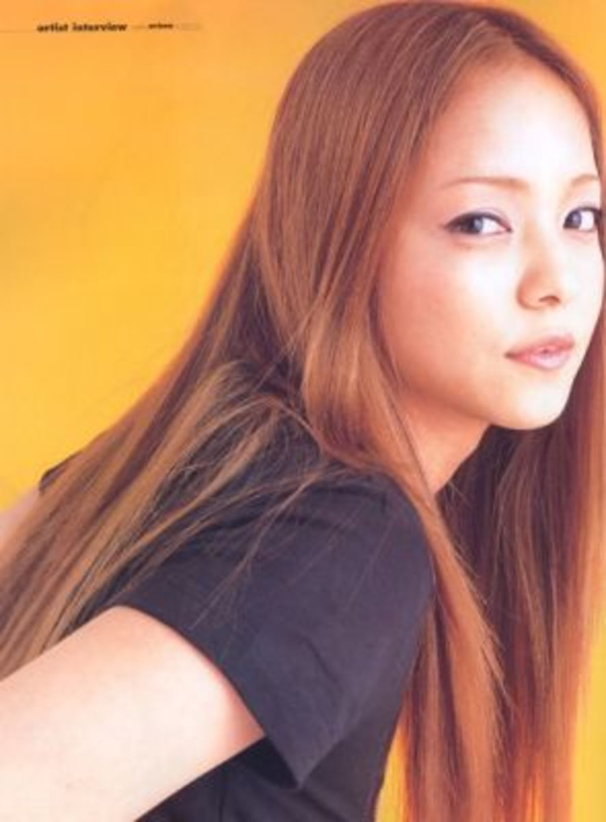 "Namie in the August, 2001 edition of ""Weekly Oricon""."