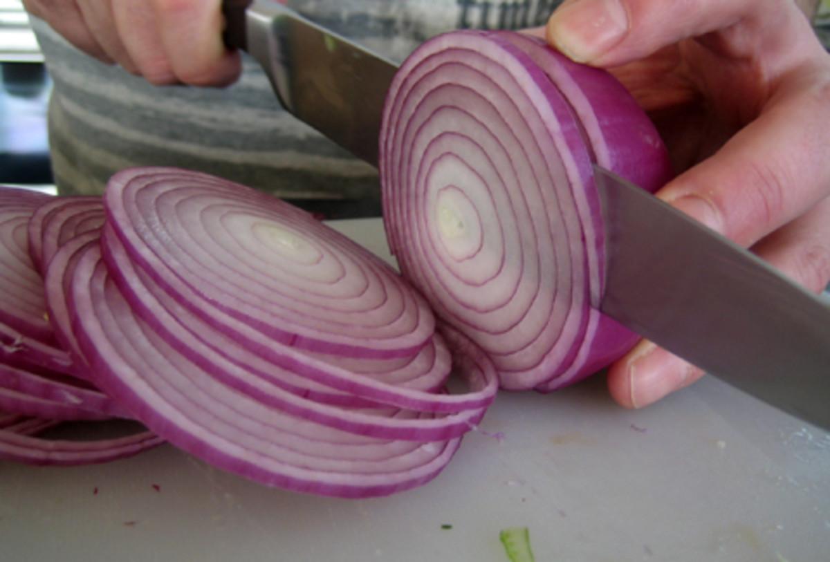 Sliced sweet onions