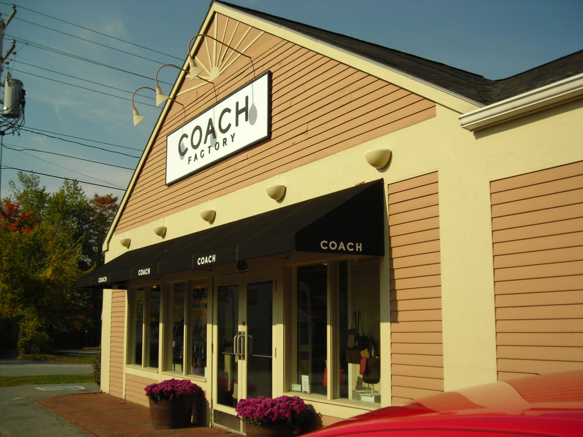Coach Factory Outlet in Freeport
