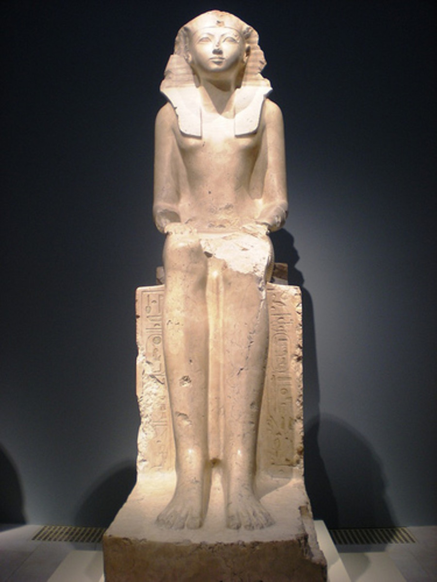 Statue of Hatshepsut at  the Metropolitan Museum of Art
