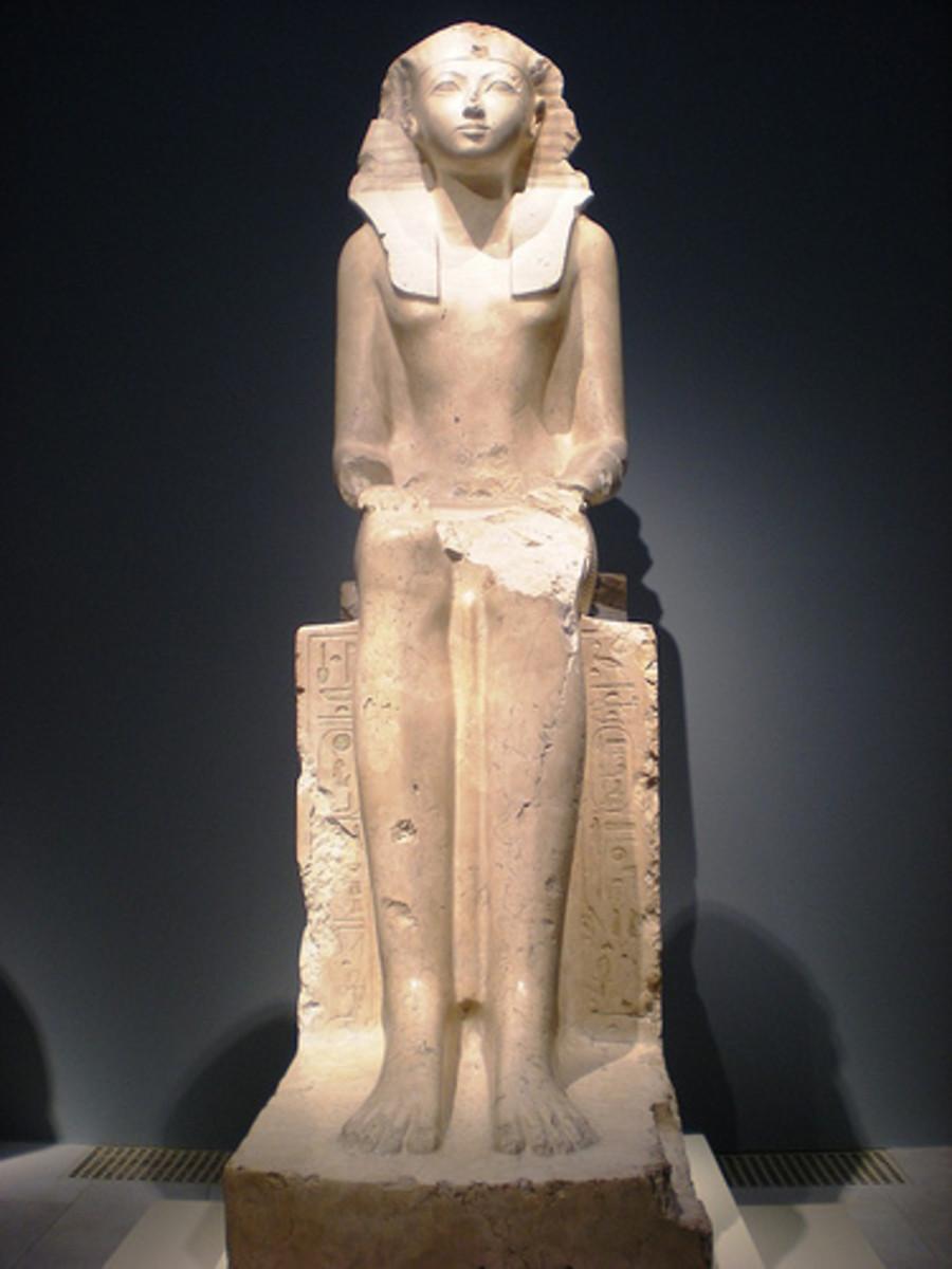 Statue of Hatshepsut at  the Metropolitan Museum of Art