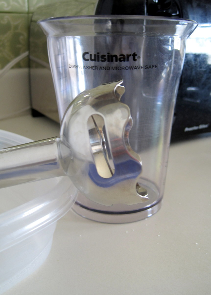 My Cuisinart immersion blender with its plastic cup.