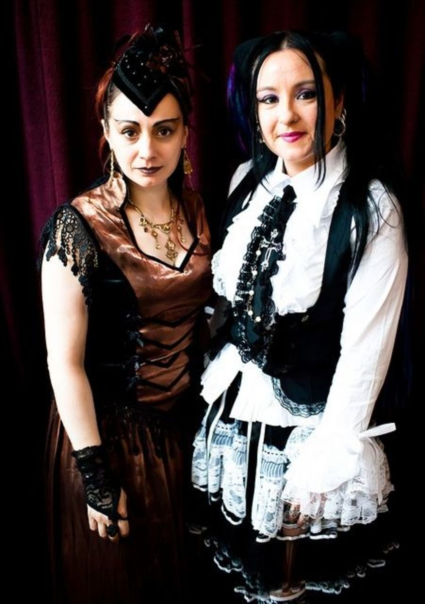 Women's Steampunk Costumes With Satin and Lace