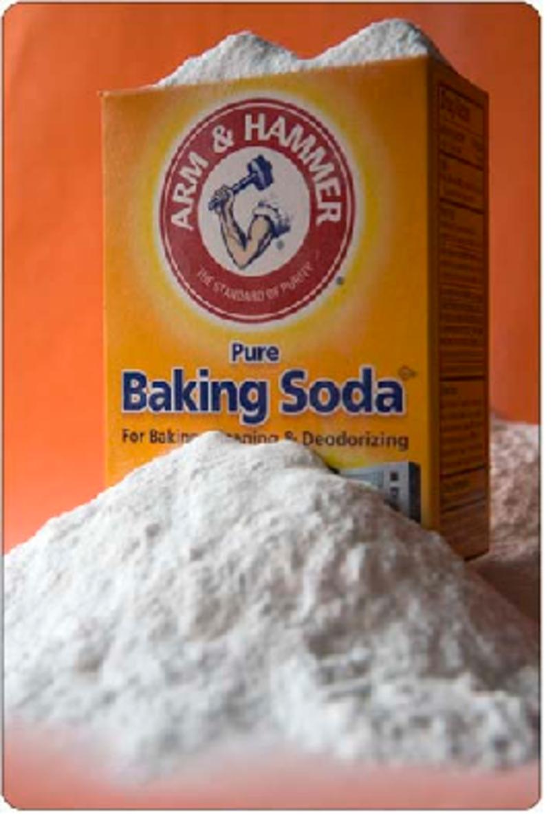 Using baking soda to whiten your teeth