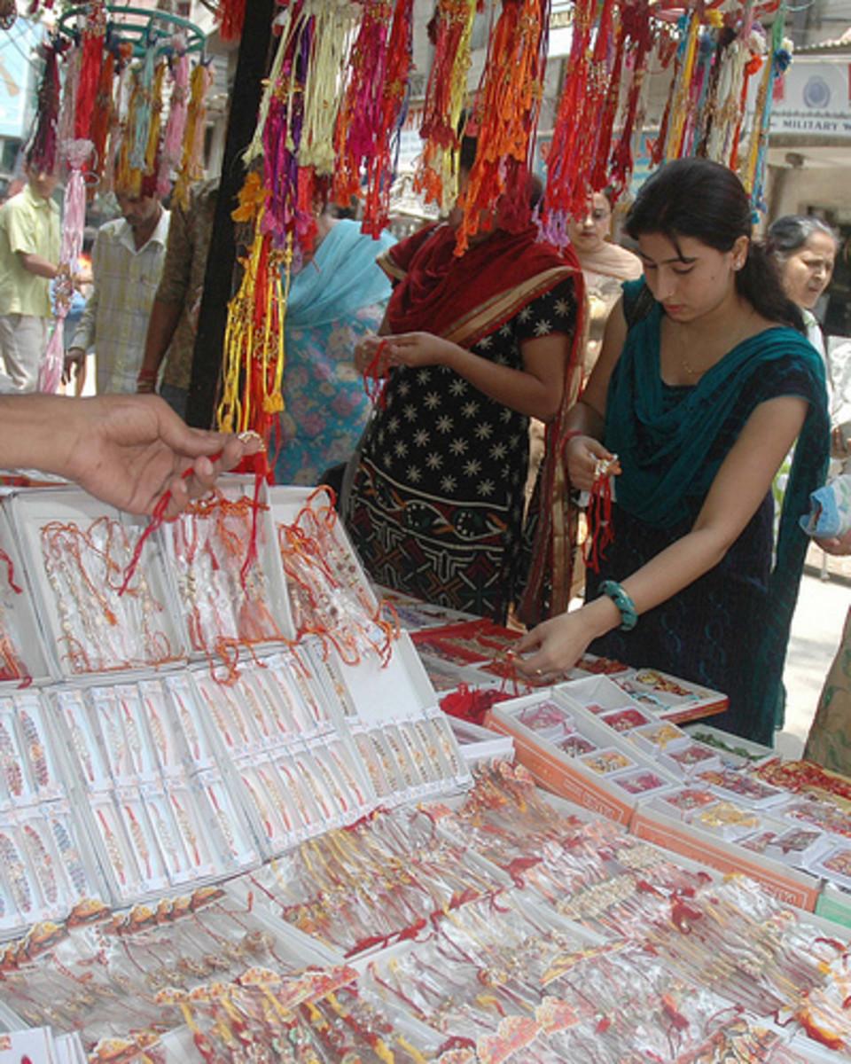 women shopping for rakhi