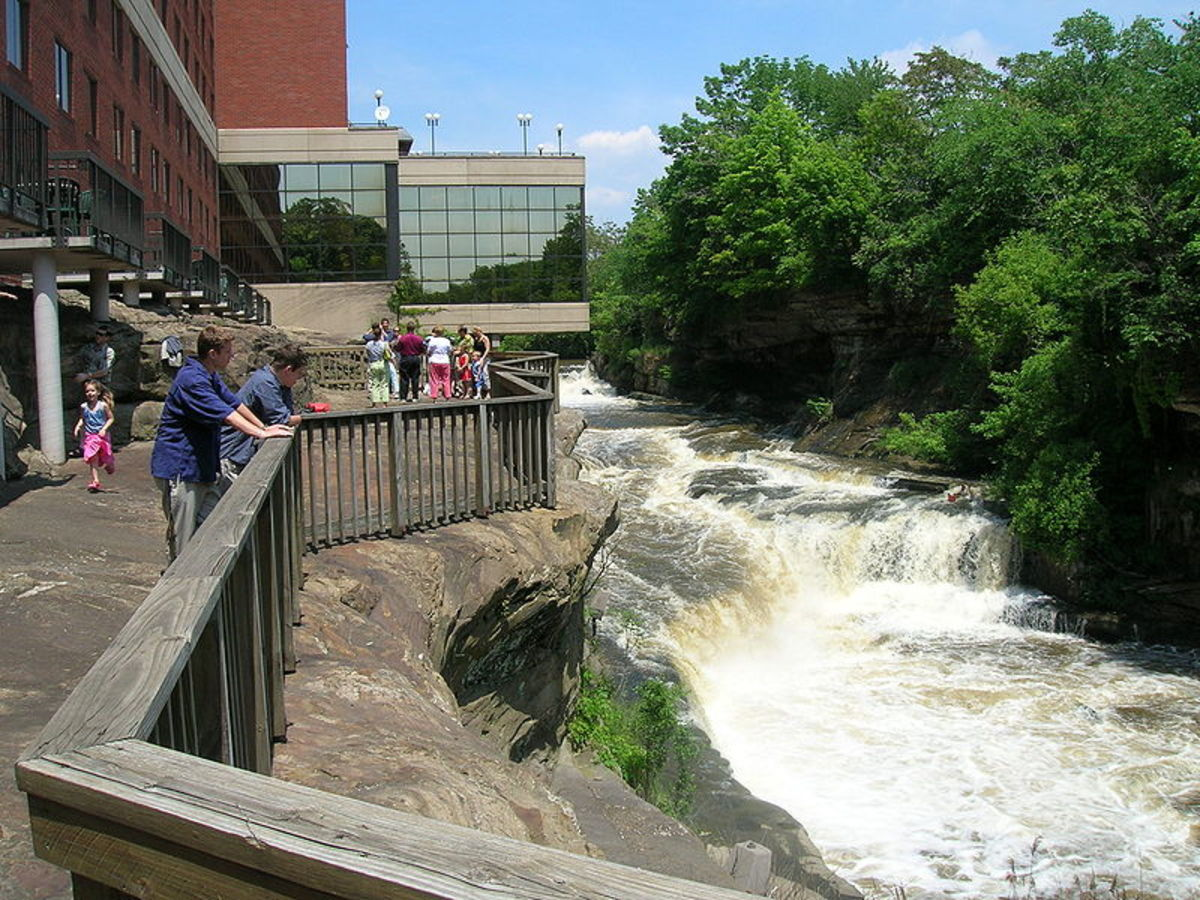The Falls of the Cuyahoga River in downtown Cuyahoga Falls, OH.