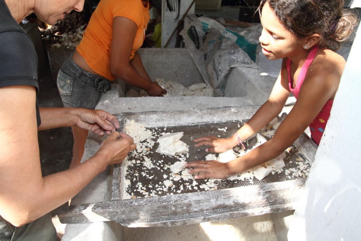 Sieving cassava