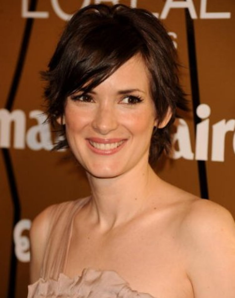 Winona Ryder with a side part pixie