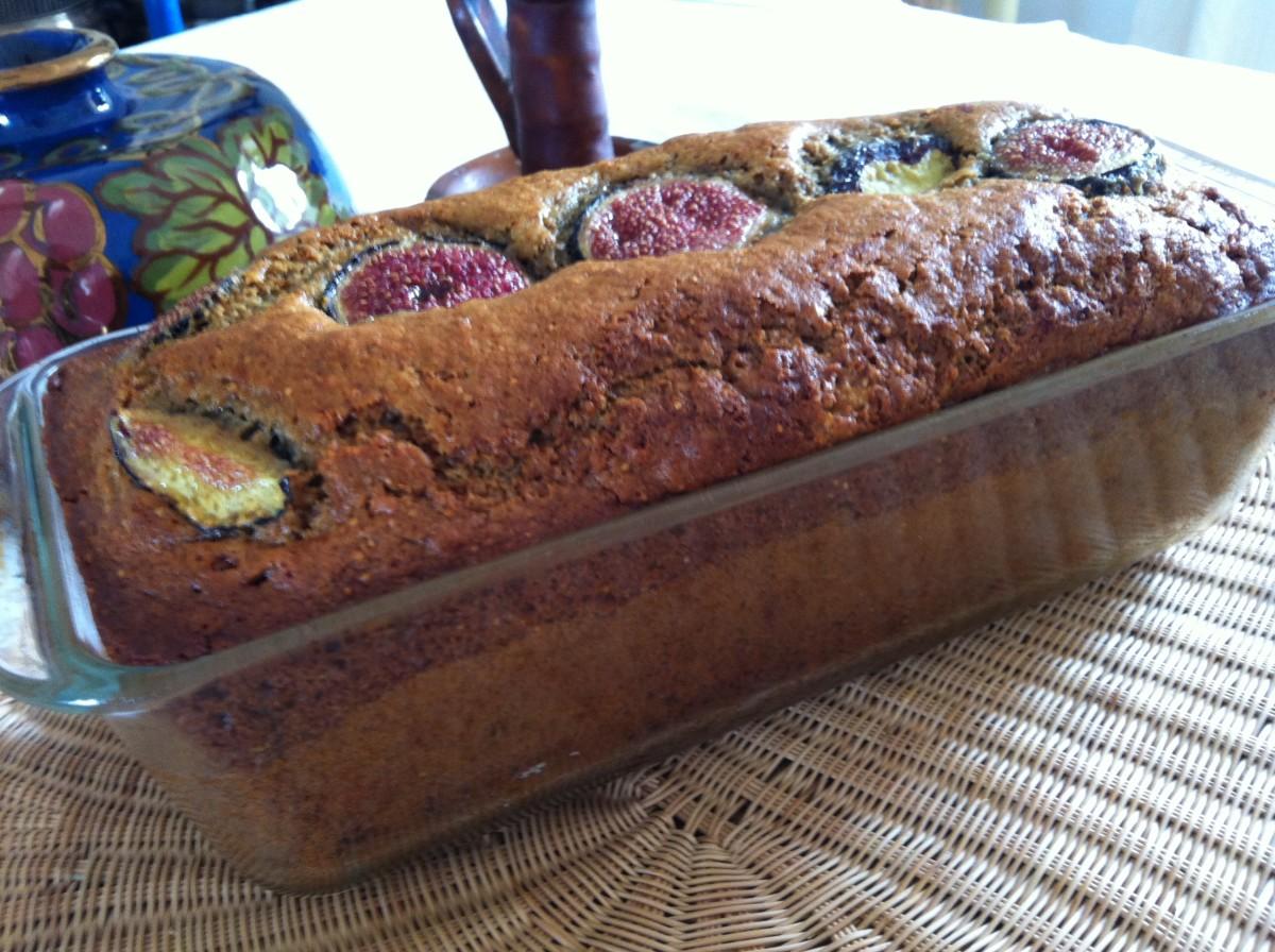 Moist fig cake with spelt fouor