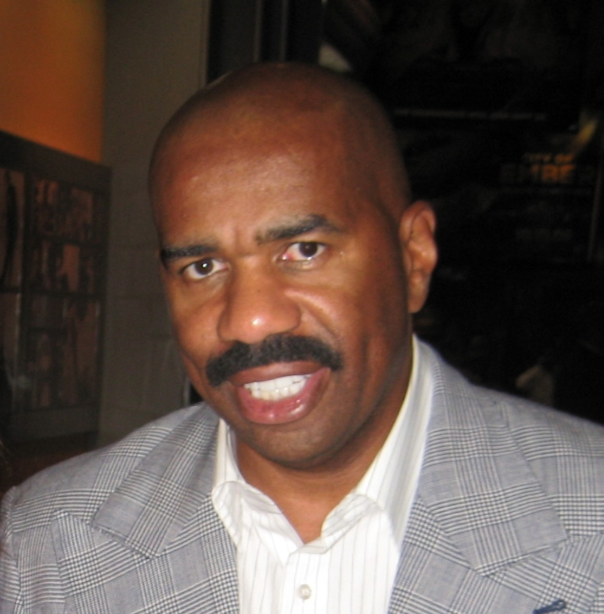 Steve Harvey is a stand-up comedian who now has a talk show. Gets people to laugh and think positive; no friend of the failure-focused!
