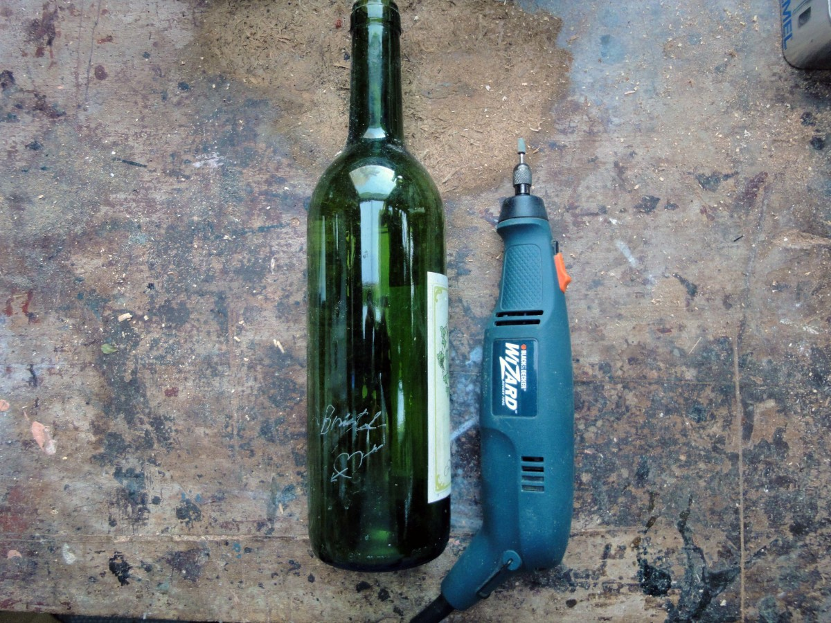 Engraving on a glass wine bottle using the Dremel