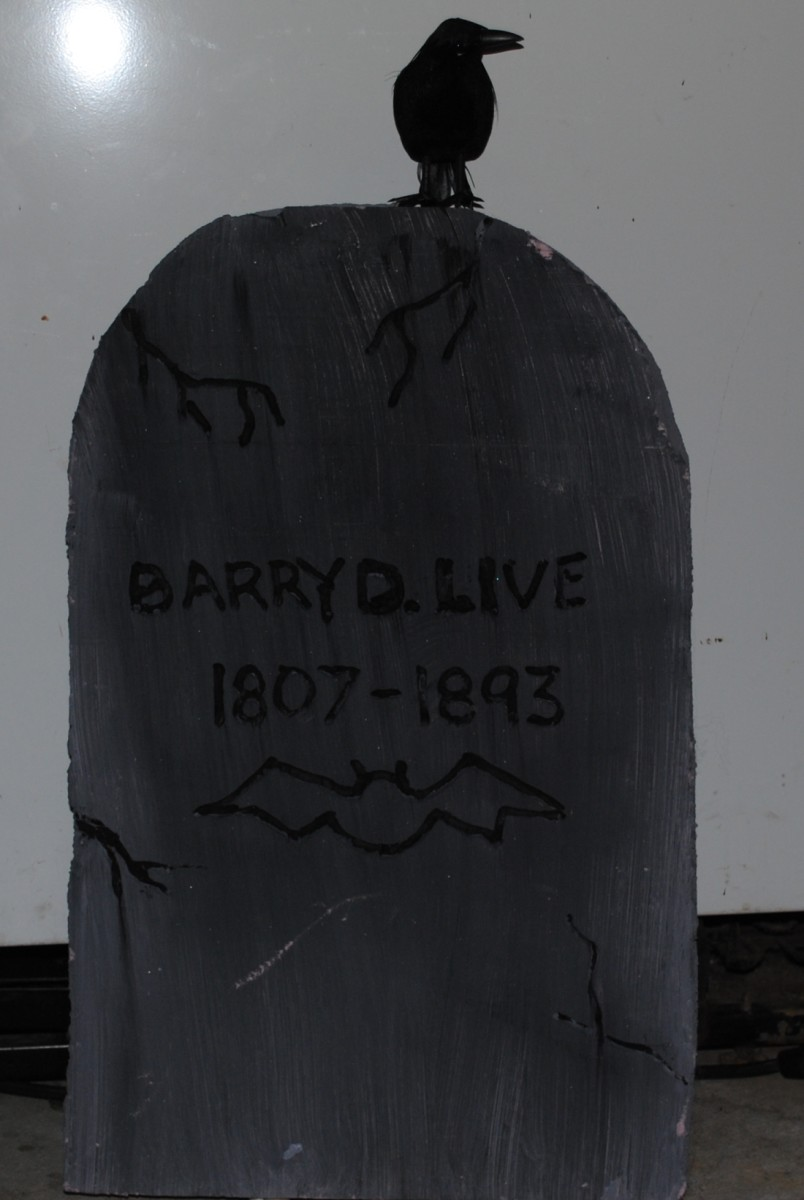 """""""Barry D. Live"""" is one of my favorite funny tombstone sayings"""