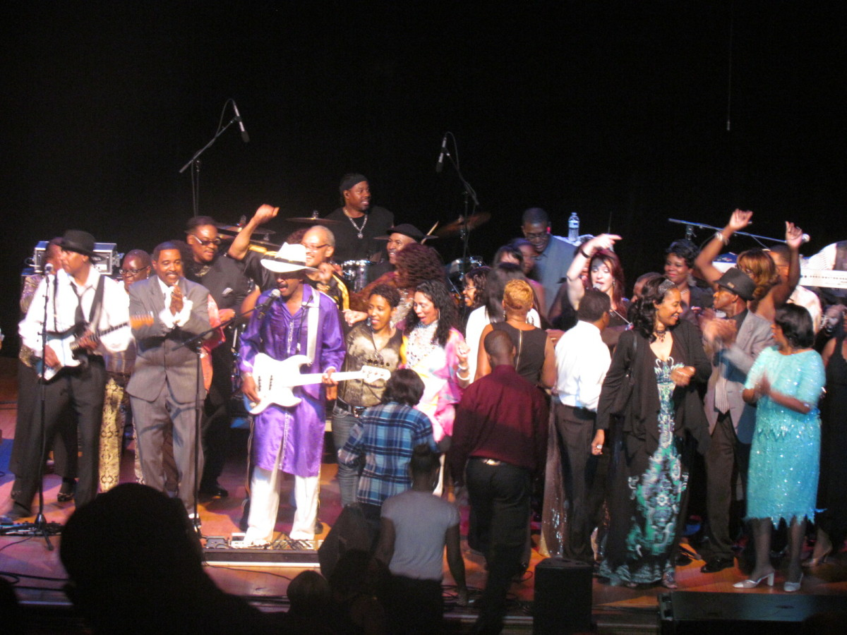 A hundred or more audience members joined Larry Graham on the stage at the end of the concert.
