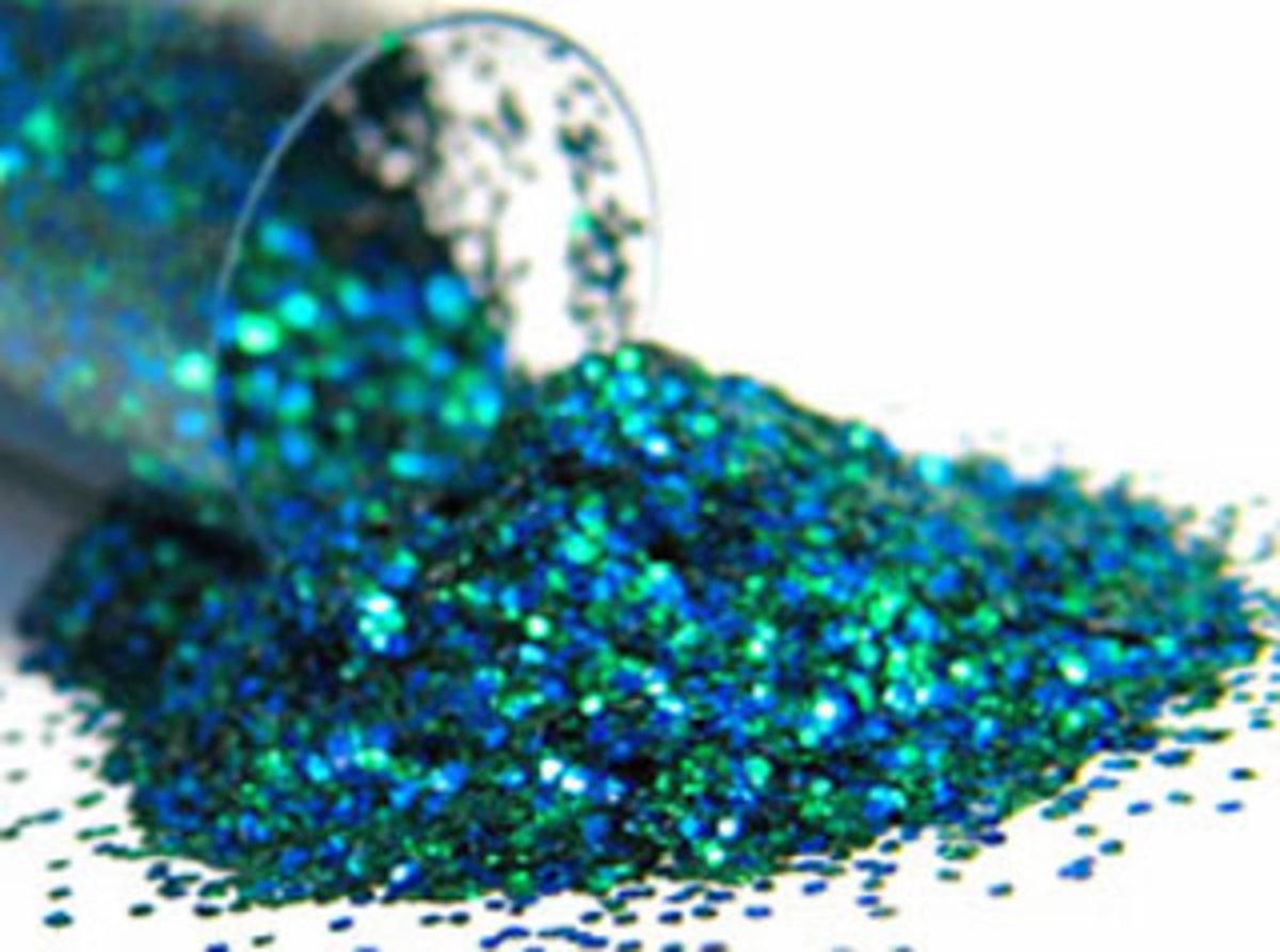 How to Make DIY Glitter Nail Polish