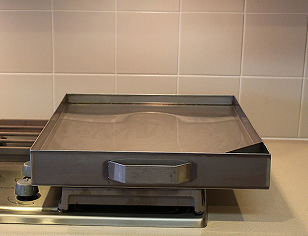 Available as a two burner model, larger sizes can be custom made.