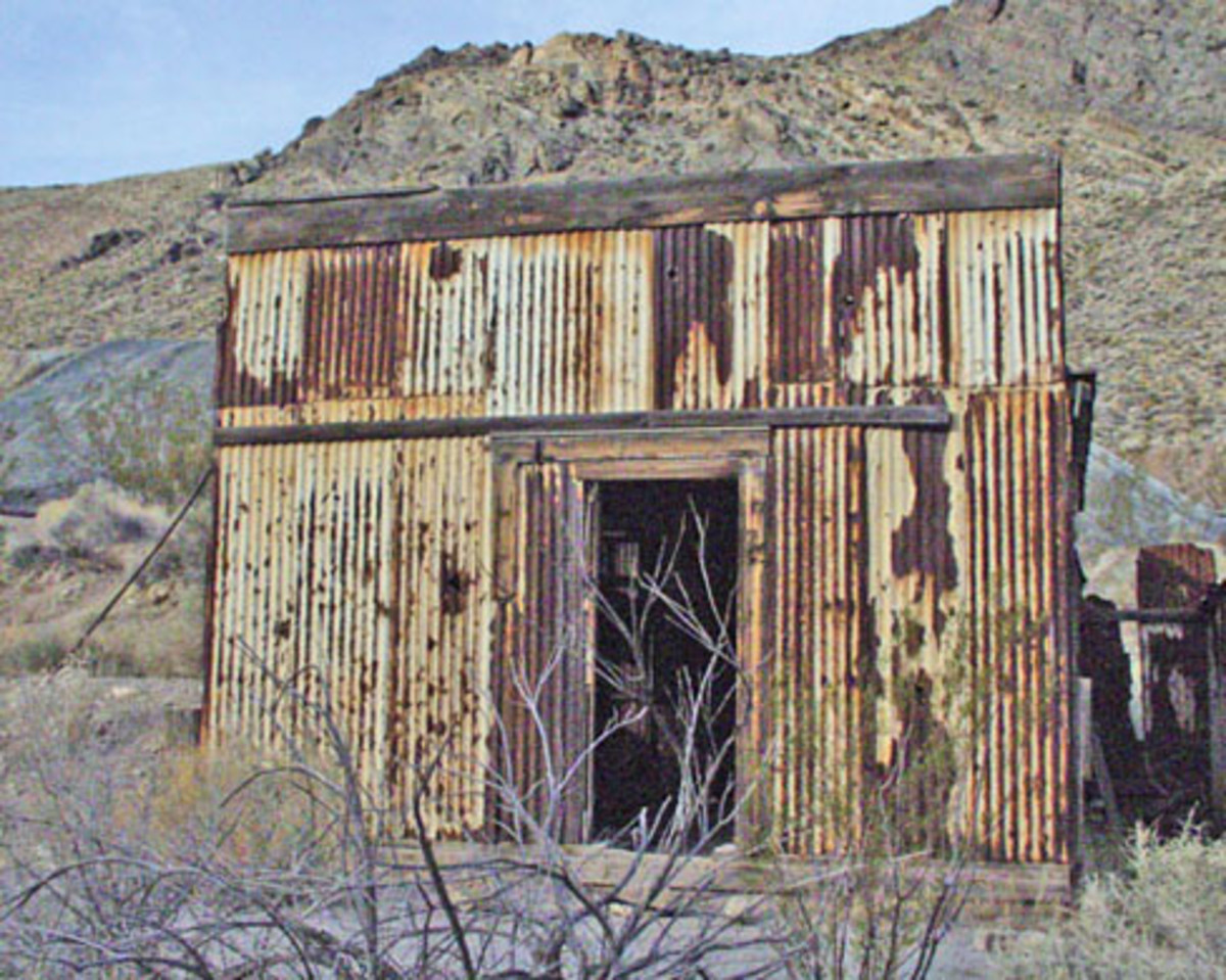 This photograph of a building in Leadfield, taken by a National Park Service employee on April 14, 2002, was created during the course of the person's official duties. As a work of the U.S. federal government, the image is in the public domain.