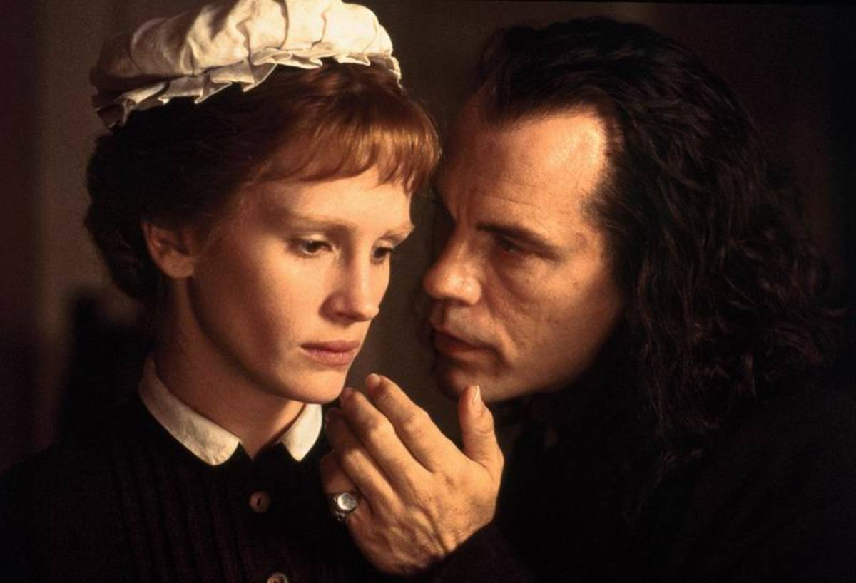 Julia Roberts and John Malkovich in Mary Reilly (1996)