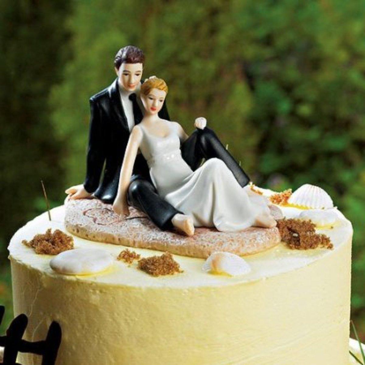 Lounging Couple - Beach Wedding Cake Topper